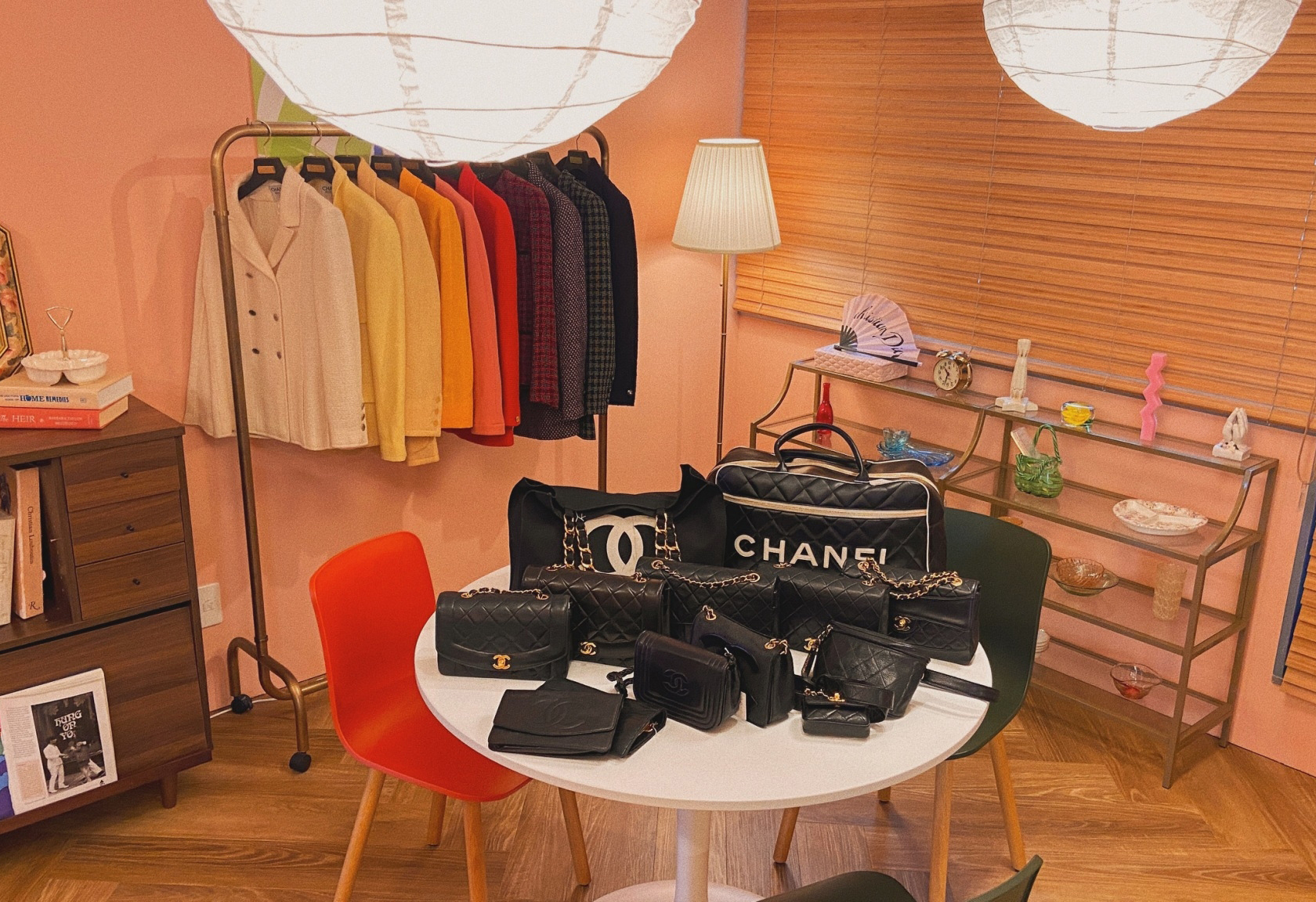 By appointment only TOKYO SHOWROOM  You can see and buy the products directly!